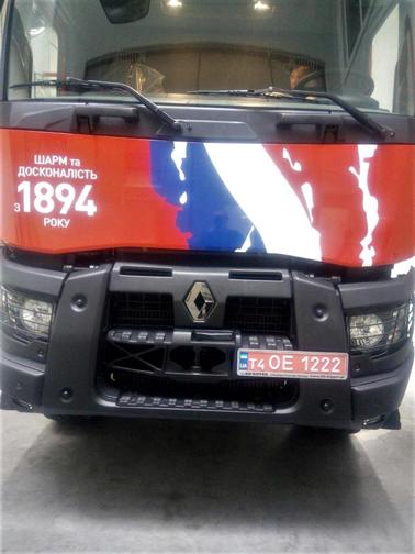 Оклейка грузовика Оракалом, пример, фото