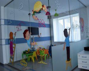 Оклейка пленкой детской зоны отдыха, фото